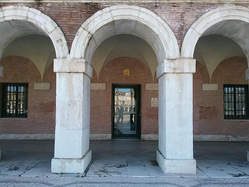 La Oficina de Turismo de Aranjuez mejora su accesibilidad con la instalación de un sistema para personas con discapacidad auditiva