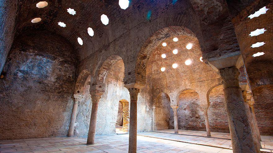 Dobla de Oro: un viaje por el pasado a través de la Alhambra y seis monumentos más